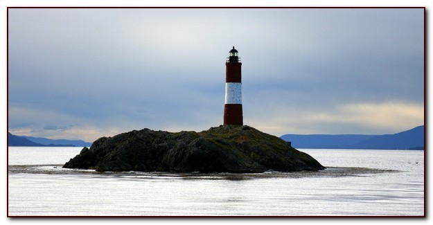 lighthouse-530049_1280